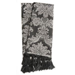 manta-tecido-jacquard-preto-e-cru-medalhao-tradicional.jpg
