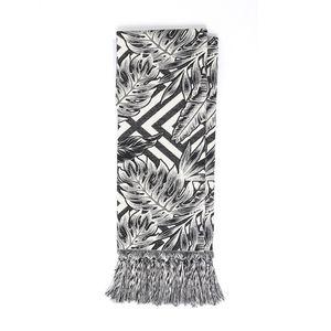 manta-rustica-folhagem-geometrico-preto-branco